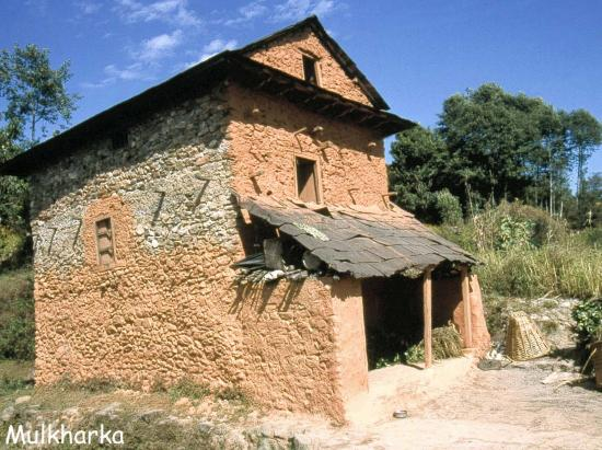 Une des maisons du village de Mulkharka
