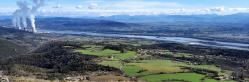 Le Rhône et la centrale de Cruas vus depuis le sommet du pic de chenavari