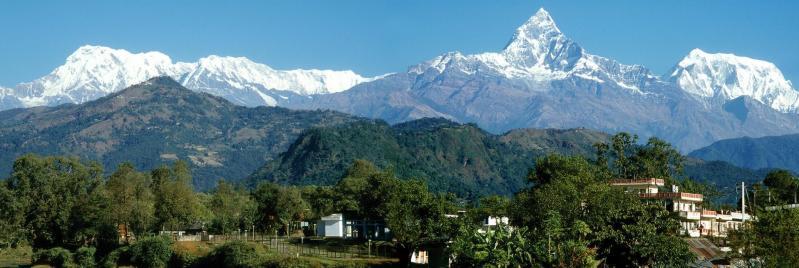 Annapurna I, Machhapuchchhre et Annapurna III vus depuis Pokhara