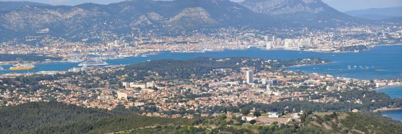 La rade de Toulon vue depuis le belvédère de Notre-Dame du Mai