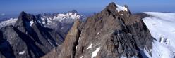 Le vallon de la Selle et le Pic de la Grave vus depuis l'arête d'ascension du Râteau occidental