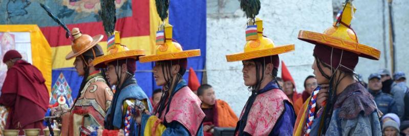 Scène de Tiji à Lo Monthang